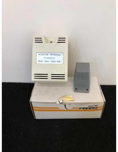 Perry 7041 Interruttore crepuscolare ritardato 220V
