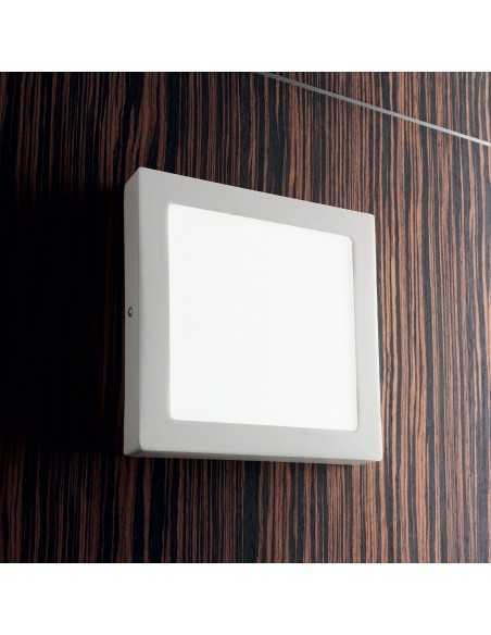 Plafoniera/Applique bianca sottile in metallo Ideal Lux Universal Square D22, Sistema LED Integrato 18W, Luce Calda, 23x23